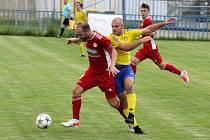 SK SENCO Doubravka (žlutí) vs. SK Klatovy 1898 (červení) 5:2 (2:0).