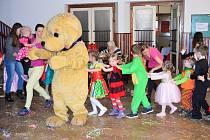 Dětský karneval v Myslívě.