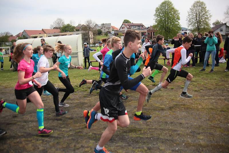 Přespolní běh v Mochtíně v roce 2019 přilákal rekordní účast.