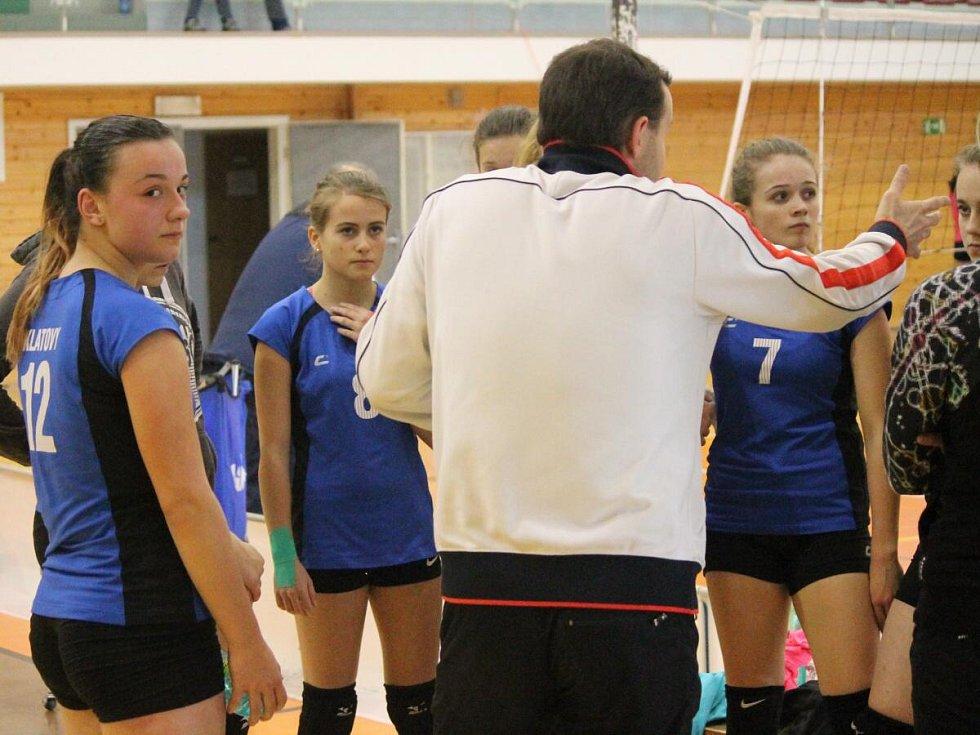 Český pohár žákyň - 2. kolo: SK Volejbal Klatovy (modré dresy) - TJ Kralupy 0:2