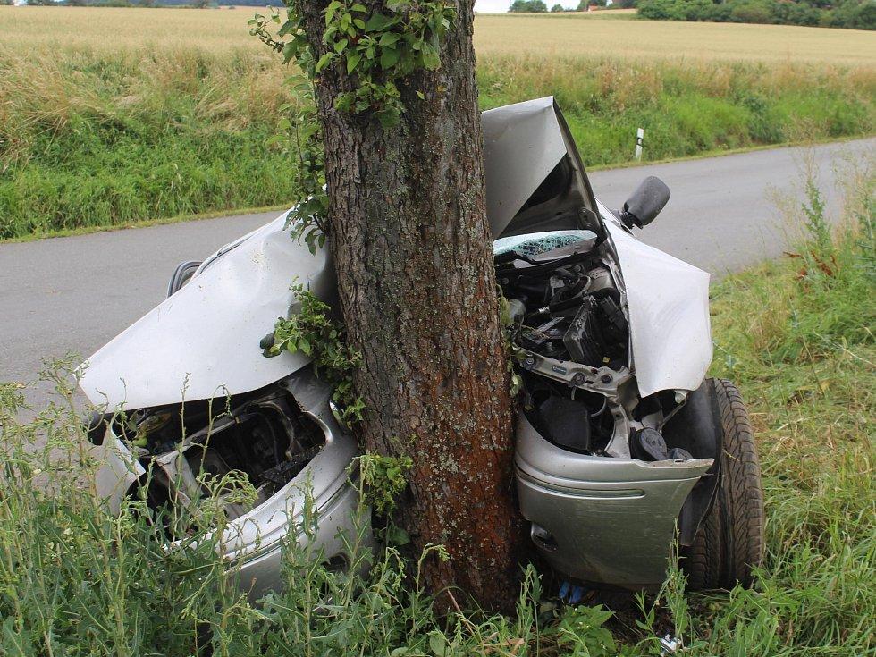 Páteční nehoda mezi Vřeskovicemi a Borovy.