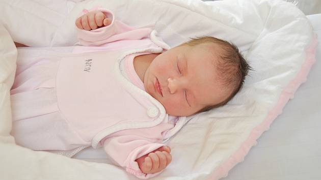 Ester Vávrová (2960 g) ze Sušice se narodila 25. května v 15 hodin ve strakonické porodnici. Foto: Ivana Řandová
