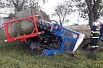 Nehoda traktoru u Ostřetic a střet dvou vozů u Horažďovic.
