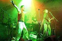 Pilsen Queen Tribute Band vystoupí opět v Klatovech, tentokrát je doprovodí Pošumavský Big Band.