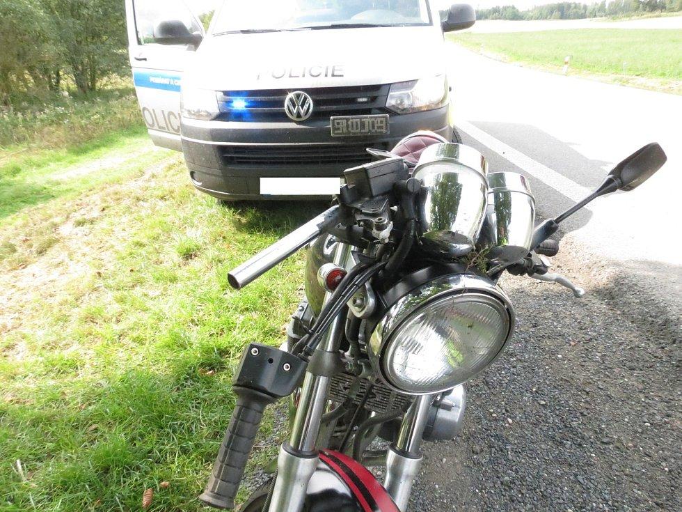 Nehoda motorkáře u Hradešic.