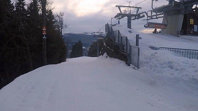Šedesát až devadesát centimetrů sněhu leží před nadcházejícím víkendem na sjezdovkách