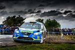 POSLEDNÍ ZÁVOD letošní sezony se jel koncem září v okolí Pačejova. Posádka plzeňského EuroOil team Václav Pech – Petr Uhel na voze Ford Focus WRC skončila druhá za Janem Kopecký a udržela se před ním v čele průběžného pořadí.