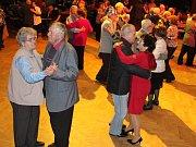 Maškarní ples seniorů v Klatovech.