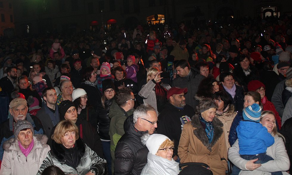 Slavnostní rozsvícení vánočního stromu na klatovském náměstí.