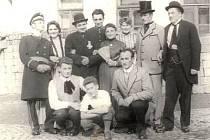 Velkoborští ochotníci v roce 1959.