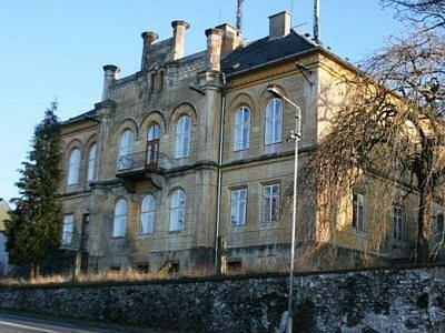 Mochtínský zámek