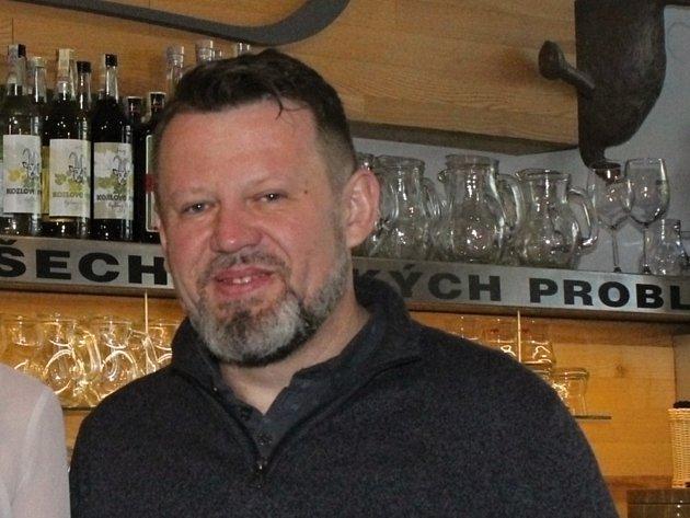 Pavel Chmelík. Žíznivej kozel.