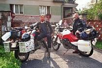 Motorkáři se chystají do Indie.