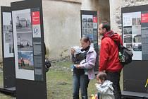 Výstava Dobrodružství vápna a kamene na hradě ve Švihově