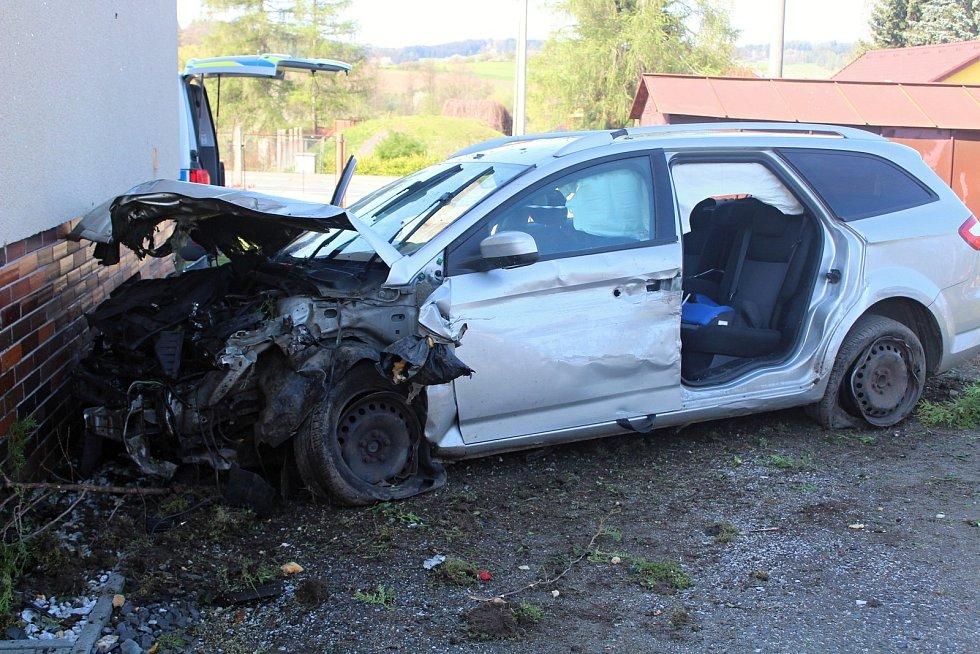 Nehoda v Mochtíně.