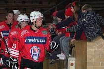 II. liga skupina Západ SHC Klatovy - HC Milevsko 6:4.