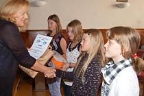 Školáci převzali ceny za výtvarnou soutěž