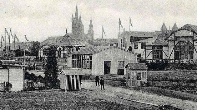 Areál výstavního areálu v roce 1909 v Klatovech. Foto z archivu Vlastivědného muzea Dr. Hostaše v Klatovech.