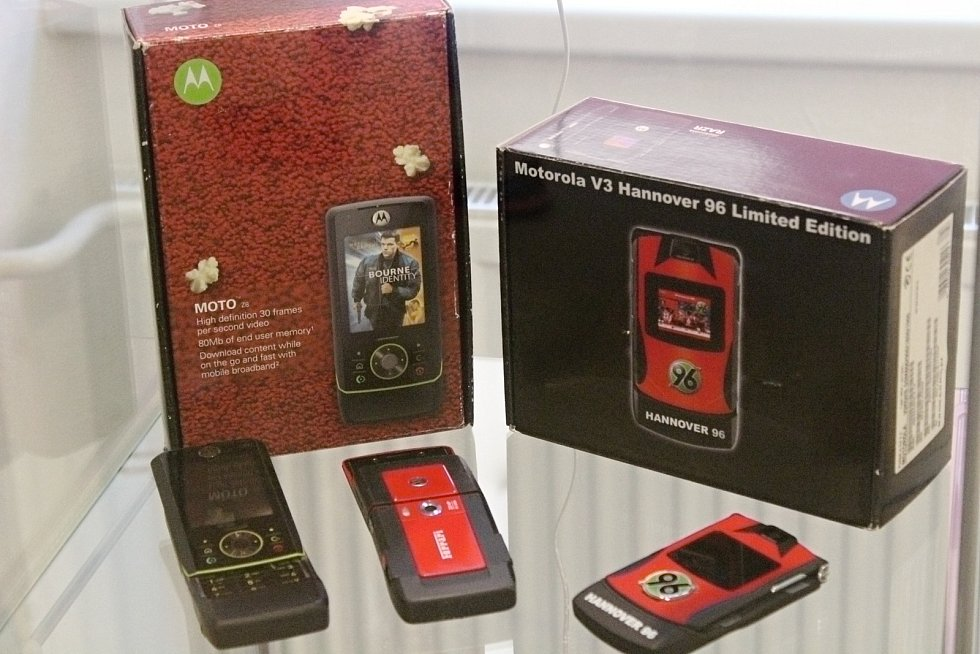 Výstava mobilních telefonů v Železné Rudě.