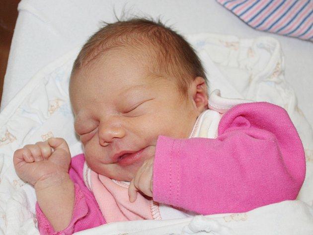 Stella Viktorová z Nepomuku (3670 g, 51 cm) se narodila v klatovské porodnici 25. října v 9.02 hodin. Rodiče Barbora a Josef vítali očekávanou dceru na světě společně. Na sestřičku doma čeká Emma (3).