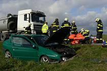 Dopravní nehoda u Hradešic, k níž musel letět vrtulník.