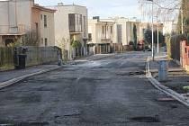 Akátová ulice v Klatovech stále není dokončena.