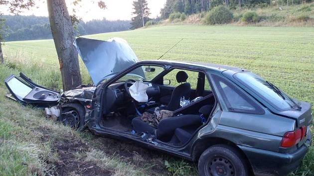 Dopravní nehoda dvou aut u Tužic