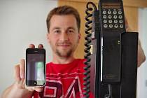 Část mobilů ze sbírky Filipa Brože.