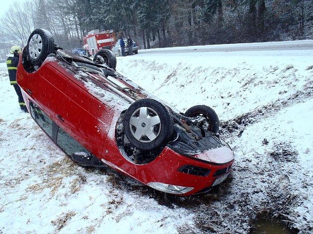 Dopravní nehoda u Kolince