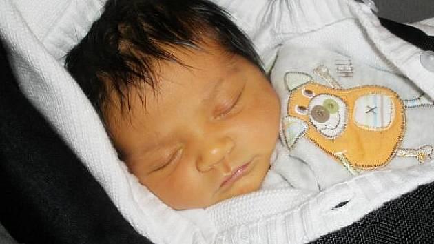 V pátek 8. dubna v 11.32 hodin se narodila Evě a Ladislavu Kropáčkovým z Velkých Hydčic v porodnici v Českých Budějovicích dcera Evelínka (3700 gramů, 52 cm), na kterou se doma těšila i sestřička Eliška.
