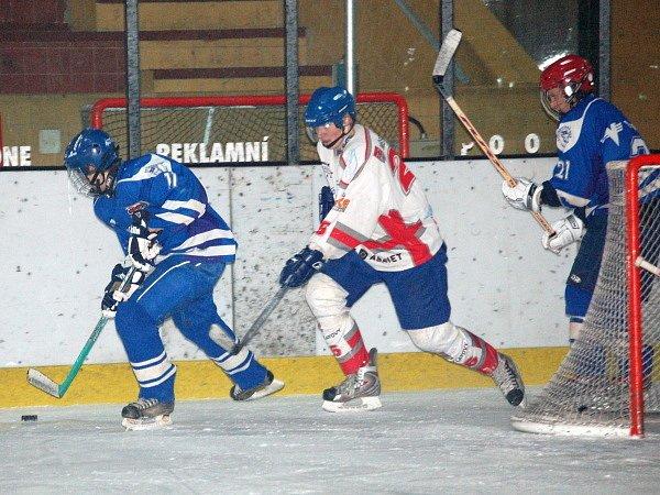 Mladí hokejisté HC Klatovy podlehli na domácím ledě v utkání ligy juniorů svým vrstevníkům z Kolína 4:7