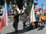 Slavnostní průvod prošel Buděticemi krátce po sobotní 17. hodině při příležitosti konání místních pouťových oslav.
