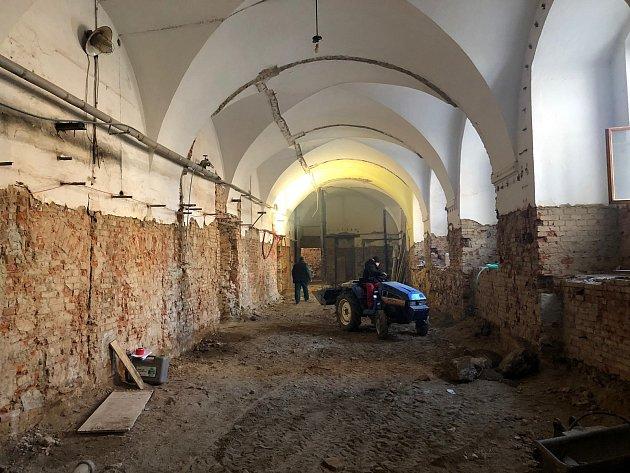Opravy jezuitské koleje vKlatovech.