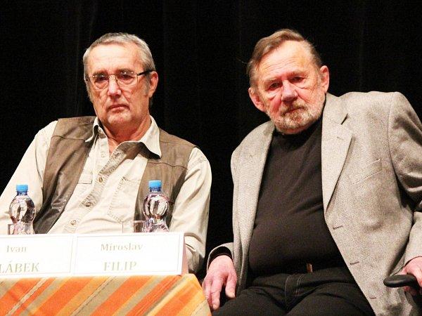 Miroslav Filip (vpravo) vedl Národní park Šumava vletech 1993a 1994, jeho nástupce Ivan Žlábek pak až do roku 2003.