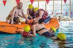 V sušickém aquaparku cvičili hasiči ze Sušice a Volšov.