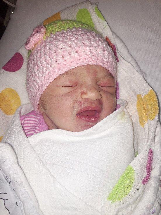 Lucie Kotalová z Roku (3080 g, 51 cm) se narodila v Klatovech 20. ledna ve 2.24 h. Rodiče Dana a Josef si nechali pohlaví miminka jako překvapení na porodní sál. Ze sestřičky má radost i Jakub (3,5 roku).