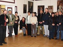 Slavnostní vernisáž výstavy Smrt číhala za každým rohem v Klatovech.