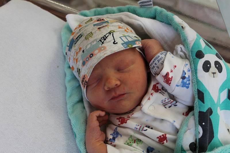 Vítek Polanka zNýrska přišel na svět vklatovské porodnici 18. září ve 12:04 hodin (3780 g, 52 cm). Pohlaví svého druhorozeného potomka věděli rodiče Dana a Jan dopředu. Na brášku se doma těší Vašík (2,5 roku).