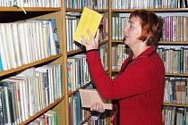 Vedoucí kolinecké knihovny Marie Hanusovvá