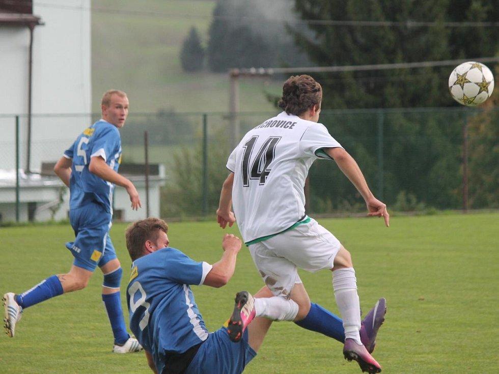 1. B třída: Měčín - Žichovice (v bílém) 1:2.