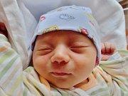 Šimon Makovec se narodil 1. září ve 20.27 mamince Aleně a tatínkovi Stanislavovi zJetenovic. Po příchodu na svět vplzeňské FN vážil jejich prvorozený syn 3540 gramů.