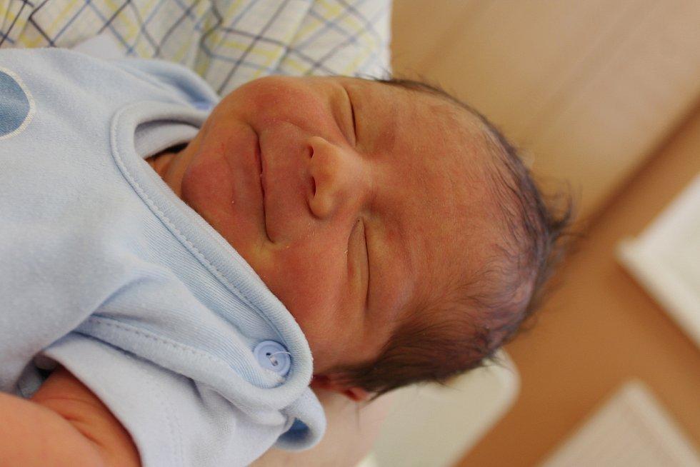 Samuel Kožuszník zDomažlic se narodil vklatovské porodnici 3. září v16:15 hodin (3770 g). Pohlaví svého prvorozeného miminka věděli rodiče Lucie a Petr dopředu.