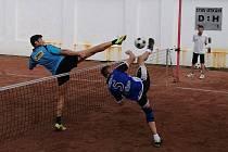 1. nohejbalová liga 2017: Prostějov (tmavě modré dresy) - Horažďovice 6:4.