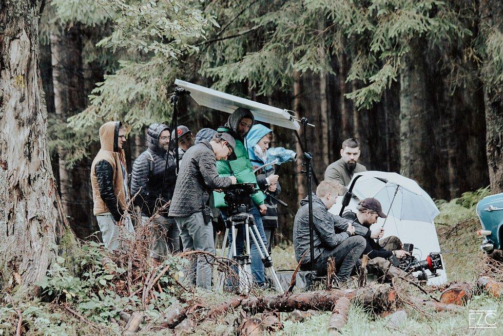Natáčení videoklipu k písni Naše cesty Marka Ztraceného na Šumavě.