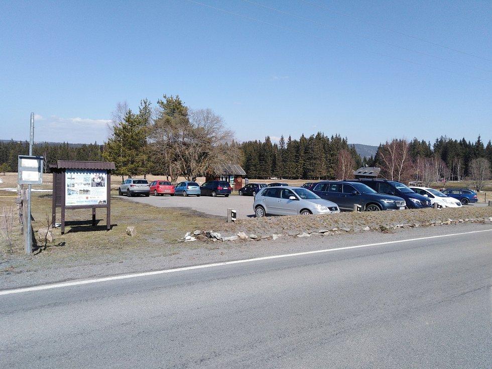 Parkoviště Nová Hůrka.