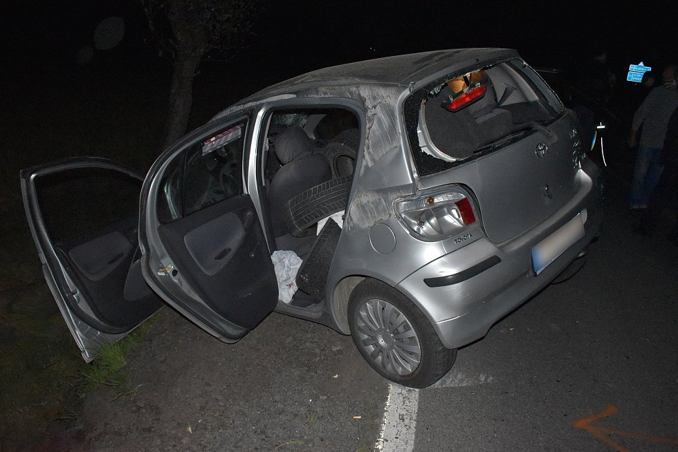Tragická dopravní nehoda u Janovic nad Úhlavou, při níž po střetu s osobním vozem zemřel cyklista.