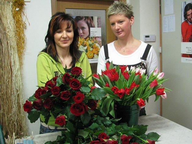 Květiny patří k nejžádanějším dárkům ke svátku zamilovaných