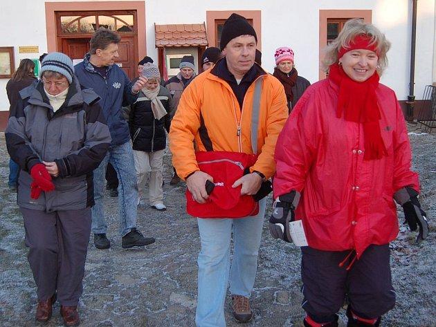 V Chanovicích na Klatovsku už pošesté vyrazili o uplynulém víkendu lidé z okolí na pochod proti uvažovanému jadernému úložišti v Pošumaví.