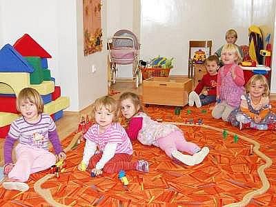 Novou třídu mateřské školy dokončili Kolinečtí začátkem září, dětem slouží od začátku října.