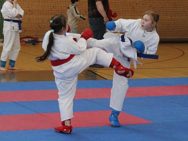 Krajská liga mládeže v karate v Klatovech.